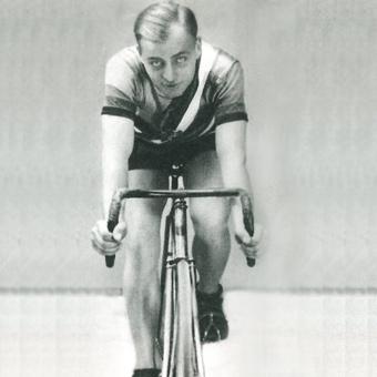 Józef Lange. Dwukrotny olimpijczyk z Paryża i Amsterdamu, pierwszy polski medalista olimpijski (1924) i pierwszy szosowy mistrz Polski (1921).