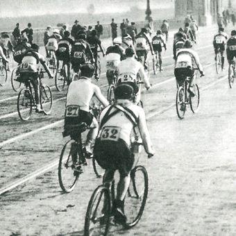 I Bieg Dookoła Polski. Było 72 uczestników, a przed nimi 1442 km.