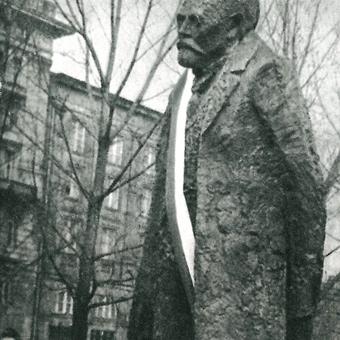 Odsłonięcie na Krakowskim Przedmieściu pomnika wielkiego pisarza i entuzjasty cyklizmu, członka honorowego WTC – Bolesława Prusa.